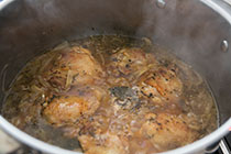 beer-braised-chicken-onions-8